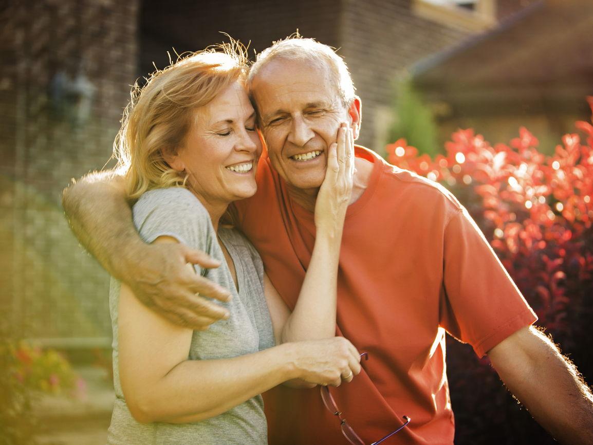 Отношения после 60 лет фото